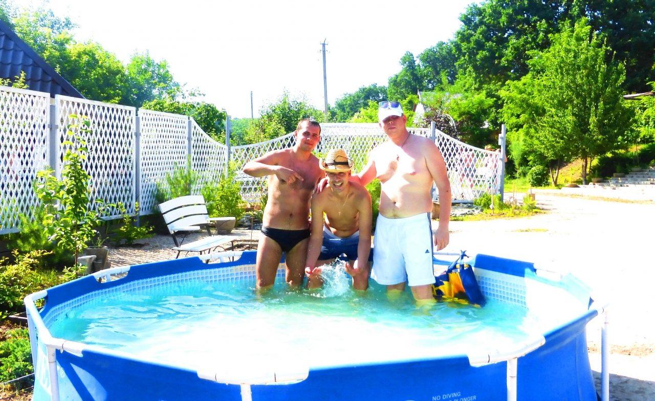 Отдых на природе с бассейном в Балаково Усадьба Сказка